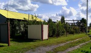 фото забора из рабицы в садоводстве