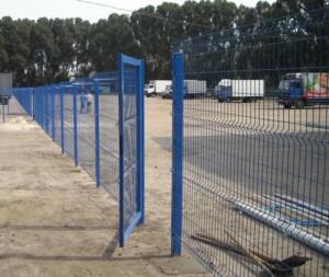 Ограда автостоянки