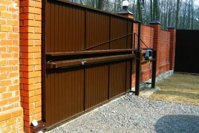 Ворота со средней балкой.