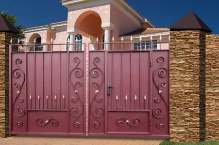 «Закрытые» распашные ворота.